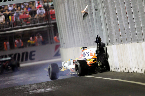 piquet_crash_singapore_2008