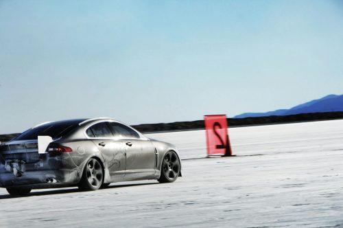 jaguar-xfr-prototype-at-bonneville-salt-flats