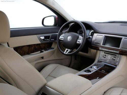 jaguar-xf-interieur-beige-11