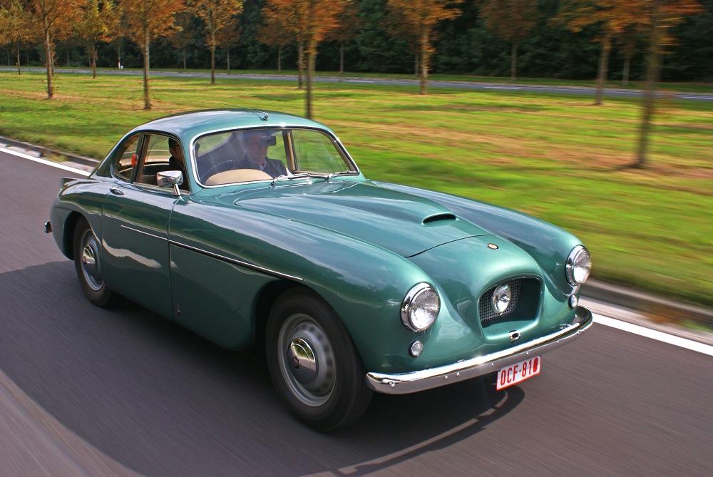bristol-405-coupe-vert-3-4-avant-droit-travelling