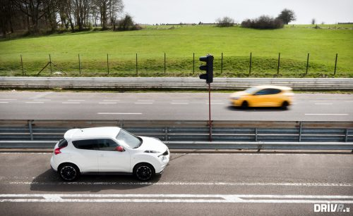 2013-Nissan-Juke-Nismo-vs-Renault-Clio-RS-EDC-06