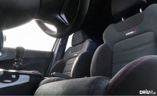 2013-Nissan-Juke-Nismo-vs-Renault-Clio-RS-EDC-07
