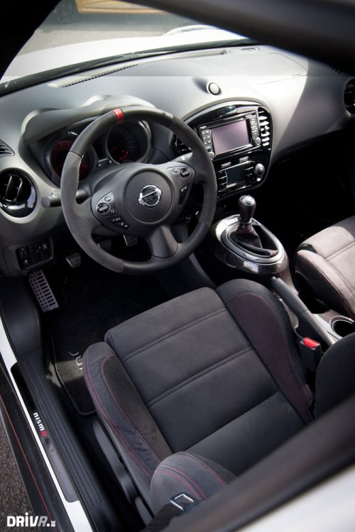 2013-Nissan-Juke-Nismo-vs-Renault-Clio-RS-EDC-14