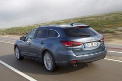 Mazda6_Wagon_2013_action_14
