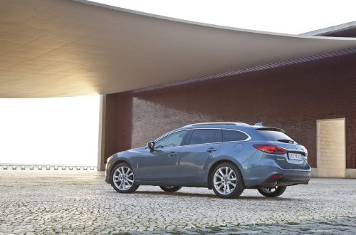 Mazda6_Wagon_2013_still_22