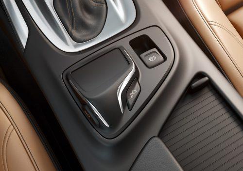 Opel-Insignia-Interior-286342-medium