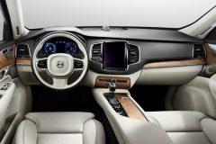 2015-Volvo-XC90-dashboard-view-press-image