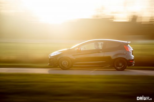 2015_ford_fiesta_black_edition_15