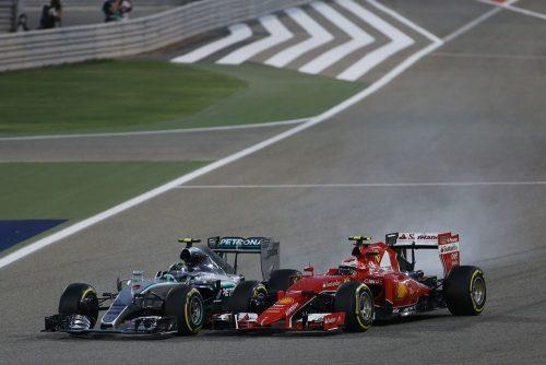 Formula One World Championship 2015, Round 4, Bahrain Grand Prix, Sakhir, Bahrain, Sunday 19 April 2015 - L to R): Nico Rosberg (GER) Mercedes AMG F1 W06 locks up under braking as he battle for position with Kimi Raikkonen (FIN) Ferrari SF15-T.