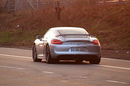 Porsche Cayman GT4 12