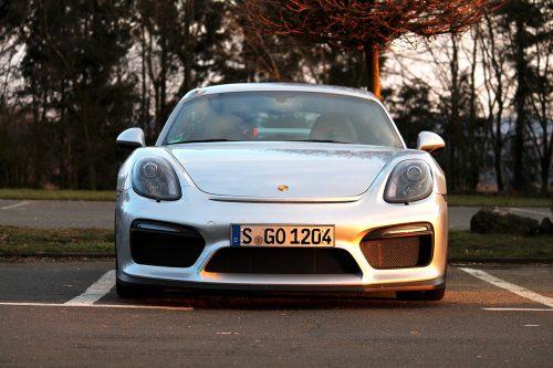Porsche Cayman GT4 2