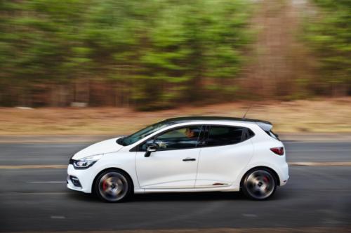 2015_Renault_ClioRSTrophy_15