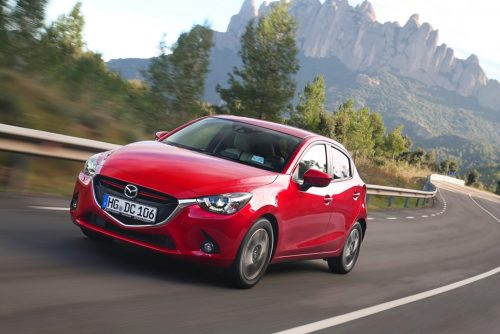 Mazda2_2015_action_19