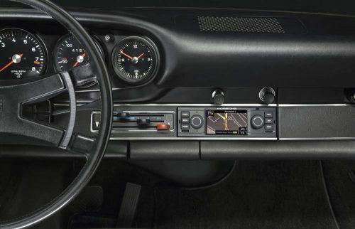 2015_Porsche_ClassicRadioGPS_02