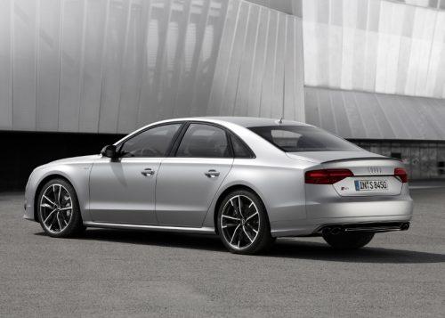 2015_Audi_S8Plus_01