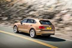 2016_Bentley_Bentayga_02