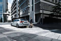 2016_Opel_AstraSportTourer_01
