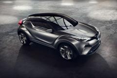 2016_Toyota_CHR_03