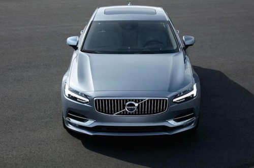 2016_Volvo_S90_01