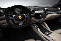 Ferrari_GTC4Lusso_02