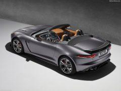 Jaguar-F-Type_SVR_2017_1024x768_wallpaper_02