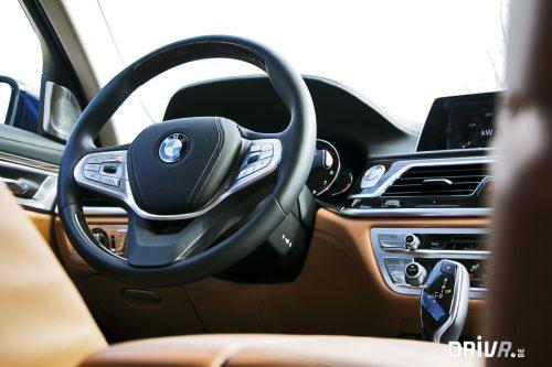 BMW 750i Interior 2