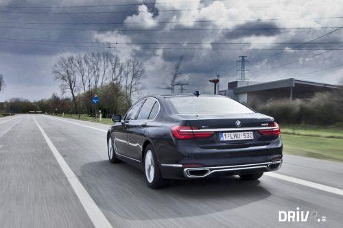 BMW_750i_exterior_2