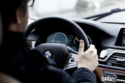 BMW_750i_interior_driving
