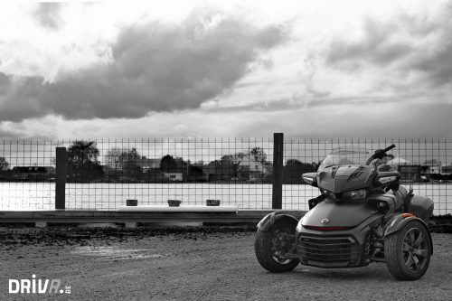 Can_Am_Spyder_Static_2