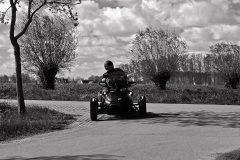 spyder_driving_2
