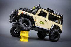 Lego-RC-Land-Rover-Defender-90-6