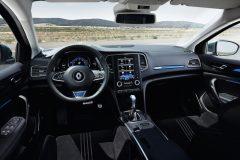 RenaultMeganeGT_05