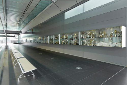 In tegenstelling tot andere constructeurs houdt McLaren álle gewonnen trofeeën zelf bij.