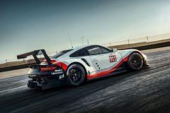 Porsche-911-RSR-2017-09