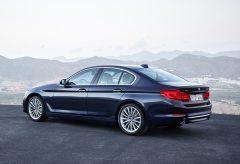 2017-BMW-5-6