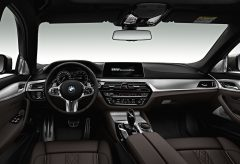 2017-BMW-5-interior