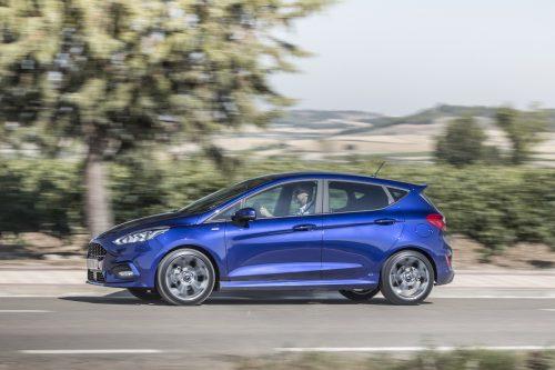 2017_Ford_Fiesta_ST-Line_Deep_Impact_Blue_012