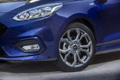 2017_Ford_Fiesta_ST-Line_Deep_Impact_Blue_029