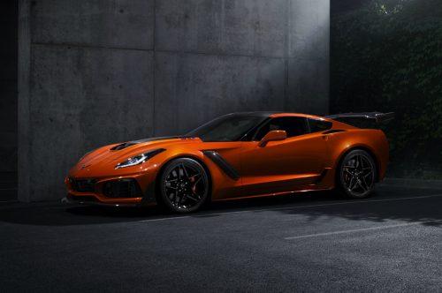 2019-Chevrolet-Corvette-ZR1-002_rev