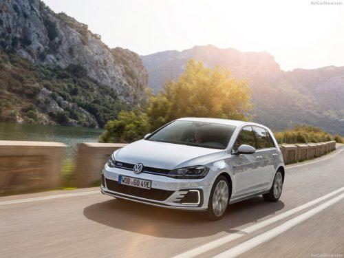 Volkswagen-Golf_GTE-2017-1280-02