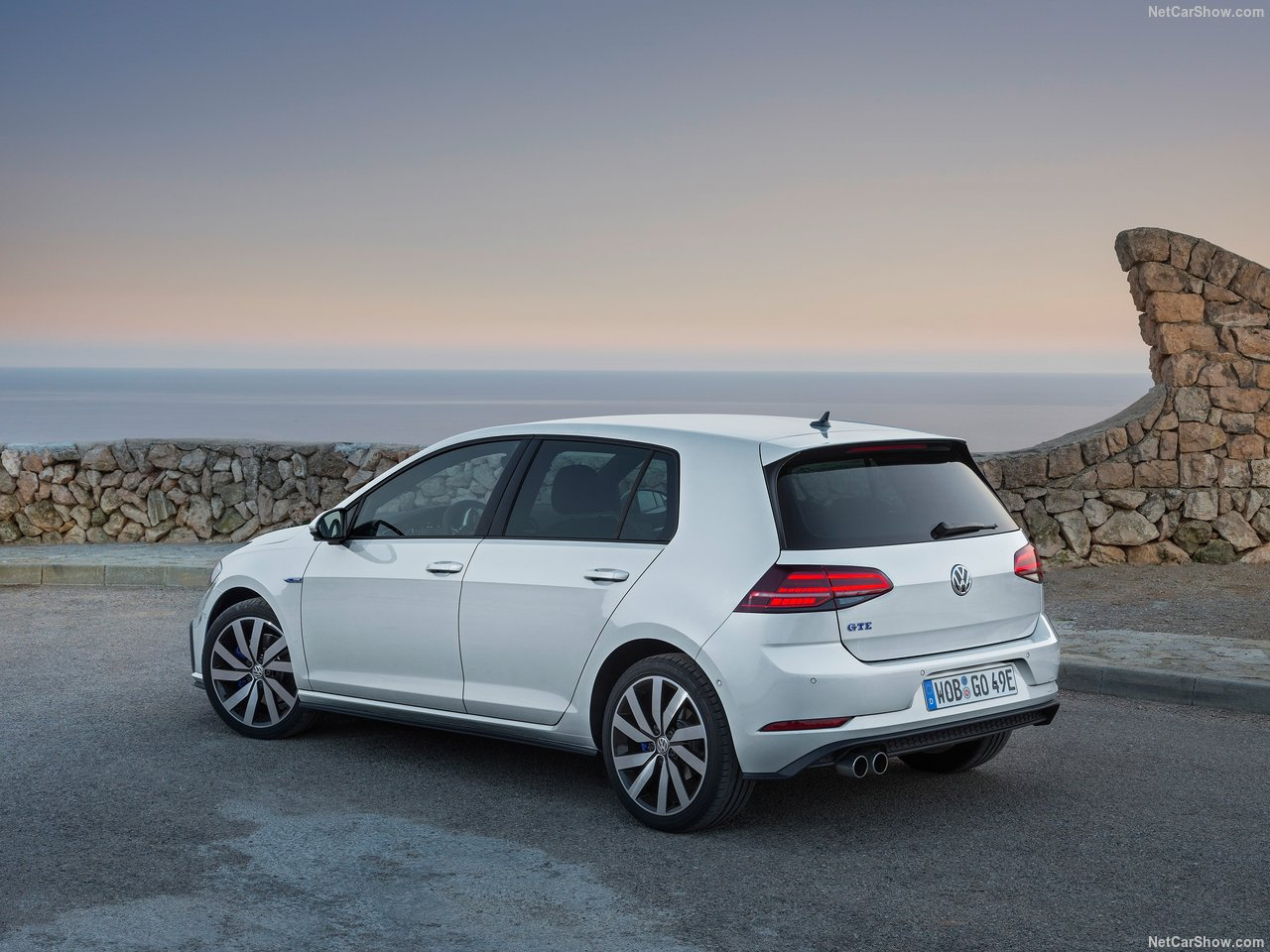 Volkswagen-Golf_GTE-2017-1280-08