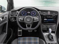 Volkswagen-Golf_GTE-2017-1280-14