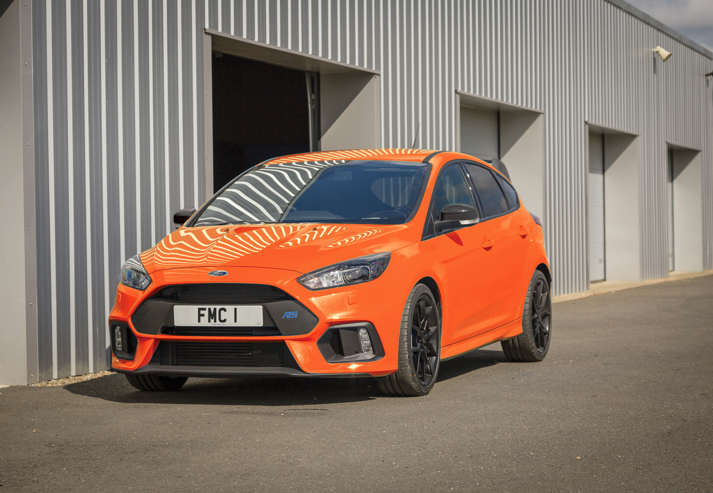 2018_ford_focus_rs_heritage_edition_01