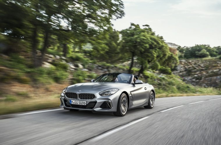 2018_bmw_z4_20i_30i_sdrive
