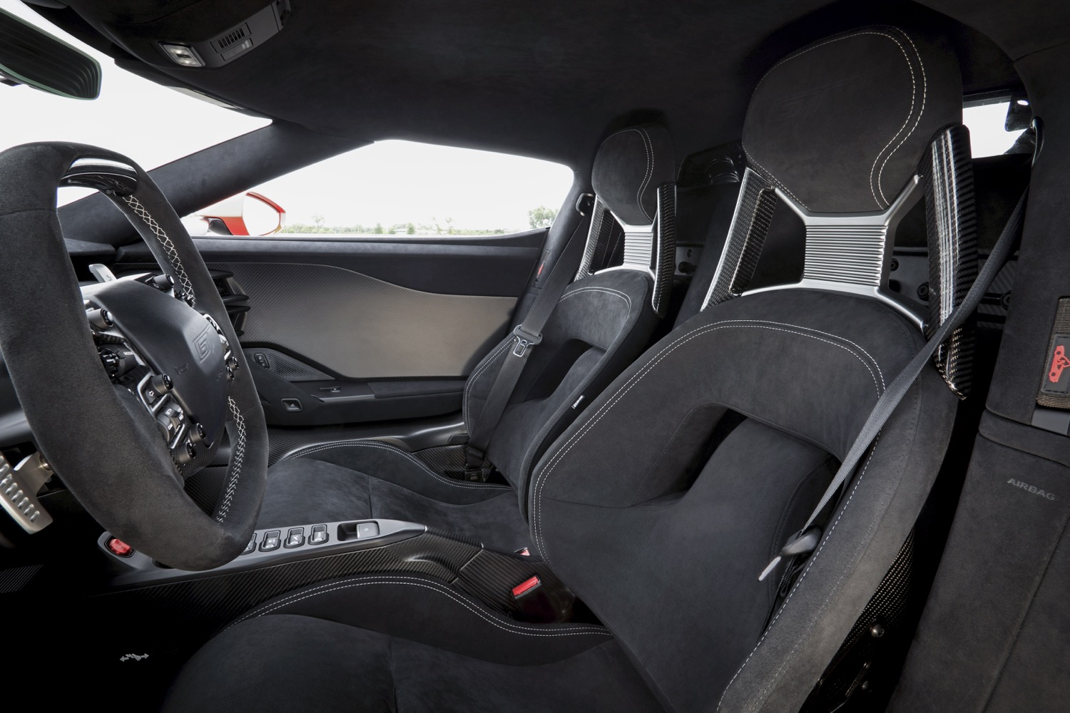 2018_ford_gt_carbon_series_06
