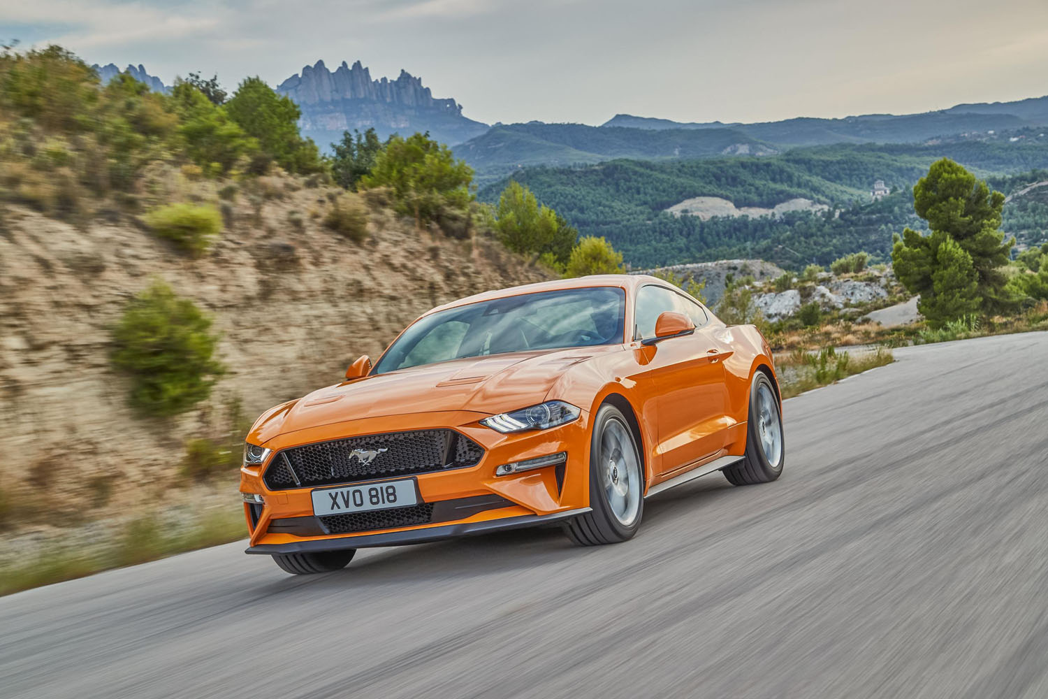 2018_ford_mustang_ecoboost_coupe_automatic_04