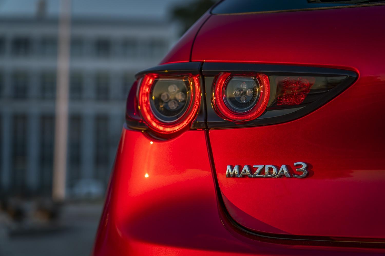 2019_mazda_3_hatchback_test_24
