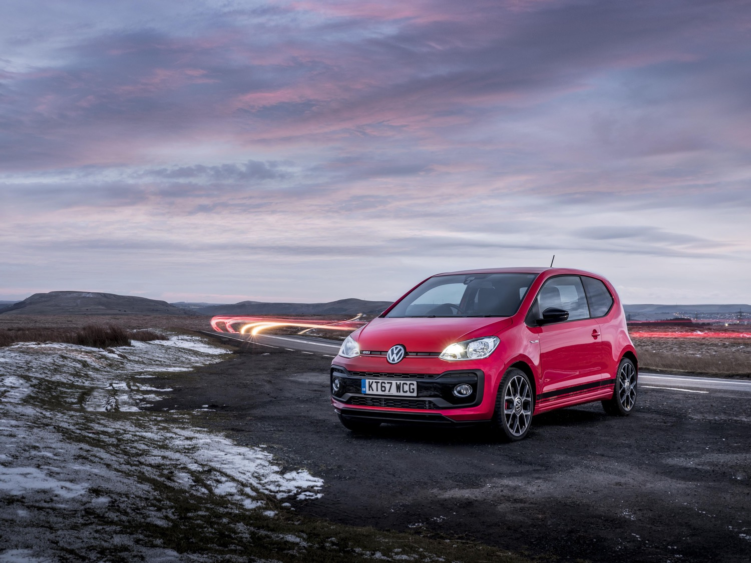 2019_volkswagen_up_gti_01
