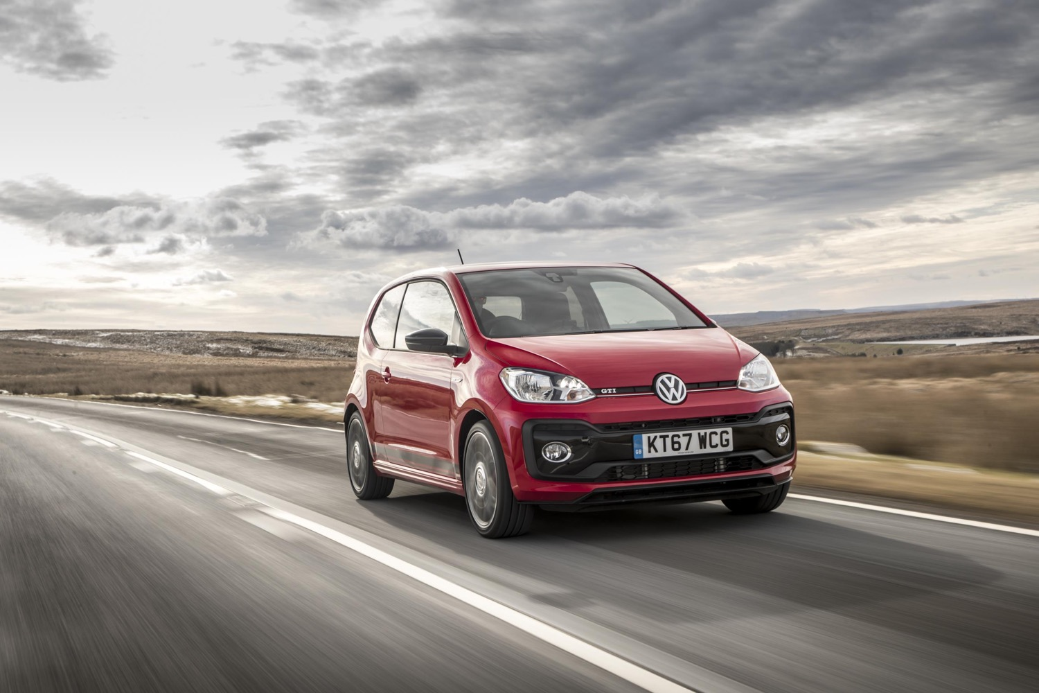 2019_volkswagen_up_gti_03