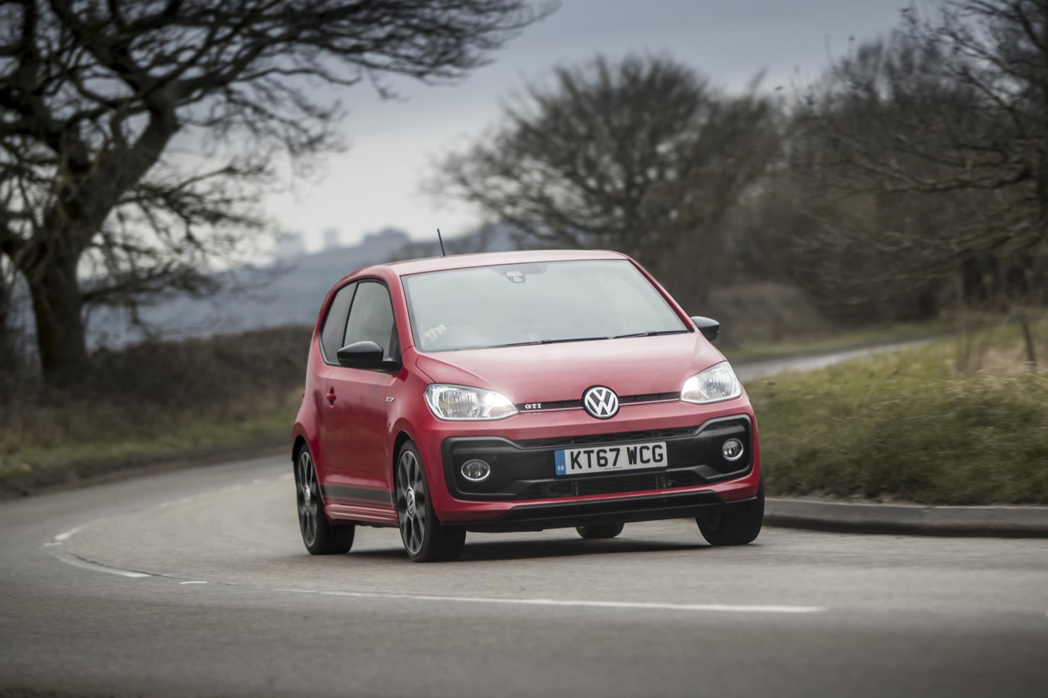 2019_volkswagen_up_gti_12